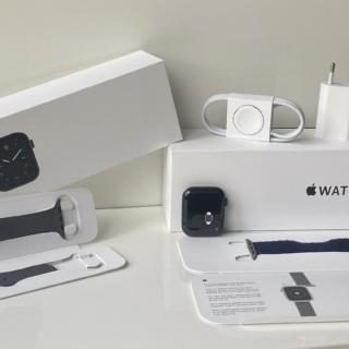 Apple Watch Series 5 44mm Edition Titan Schwarz (Wie Neu) Gebrauchtgerät
